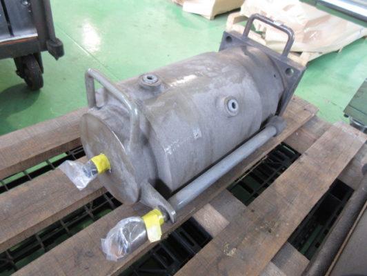 水冷式油圧シリンダの修理